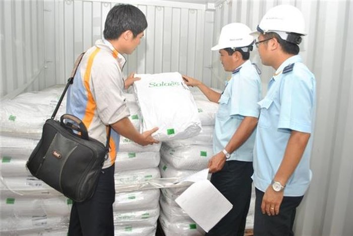 Kiểm hóa phân bón nhập khẩu