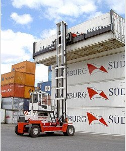 Empty-container-handler-with-side-lift-spreader