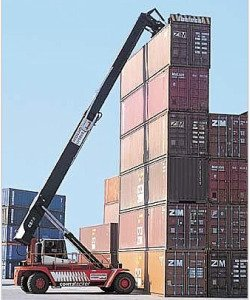 Empty-container-handler-with-top-lift-spreader