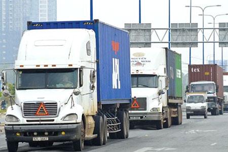 Xe container chở hàng hóa
